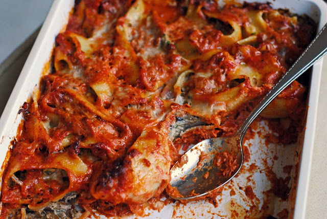 Ricotta-and-Fontina-Stuffed Shells with Fennel and Radicchio